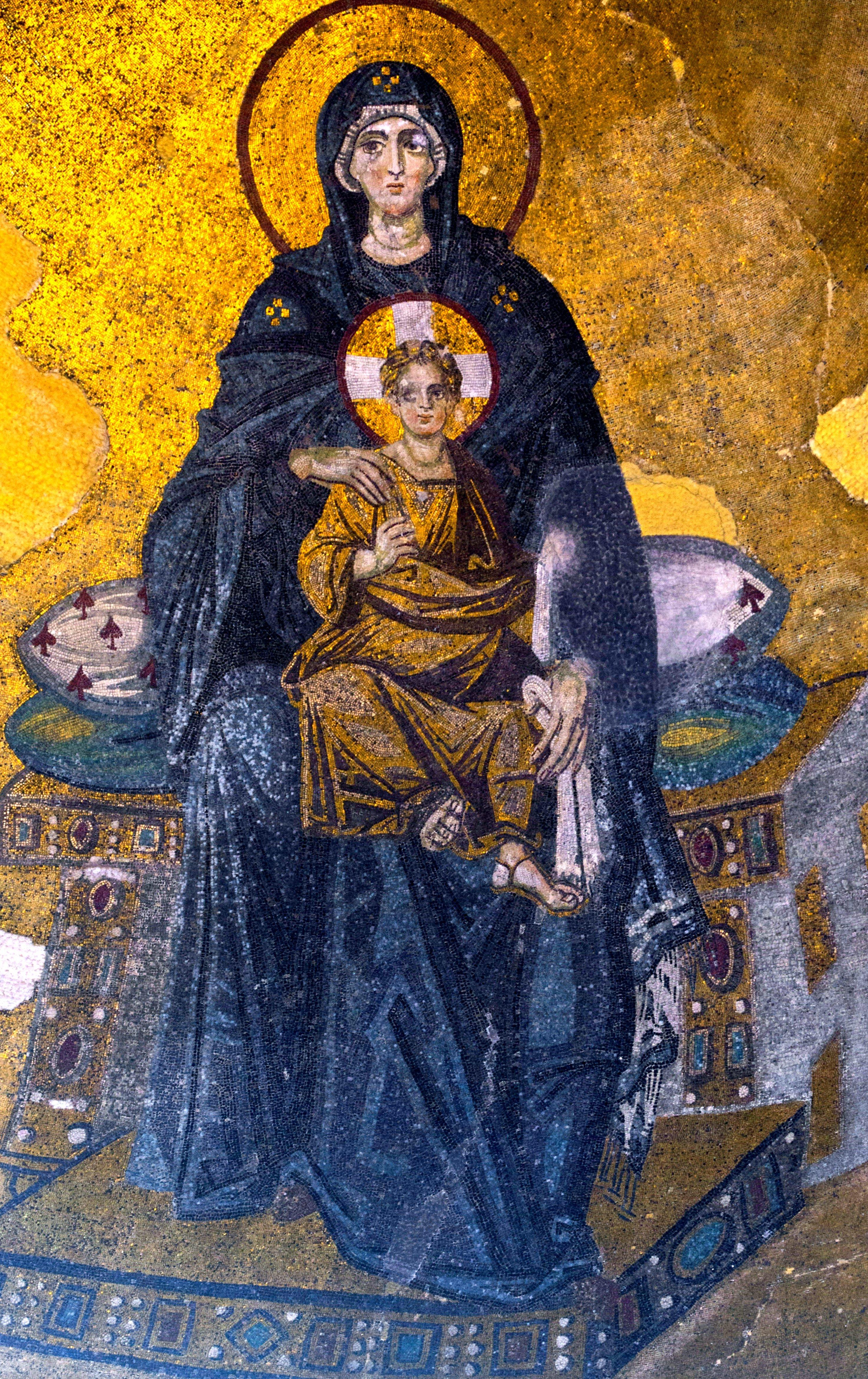 Пресвятая Богородица с Младенцем. Мозаика Собора Святой Софии в Константинополе. 867 год.