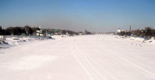 Зимой на реке Великой